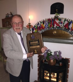 Lion Arnold Wester föräras Melvin Jones Fellowship efter 49 års fantastiskt arbete inom Lions!